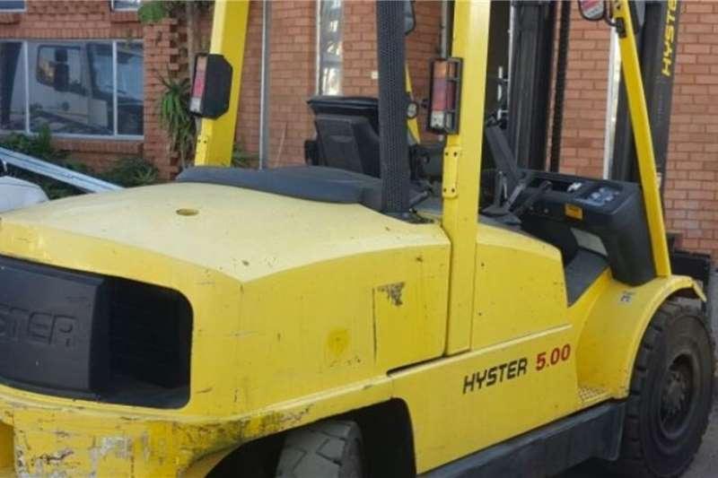 Hyster Forklifts Diesel forklift 5 ton Hyster 2005
