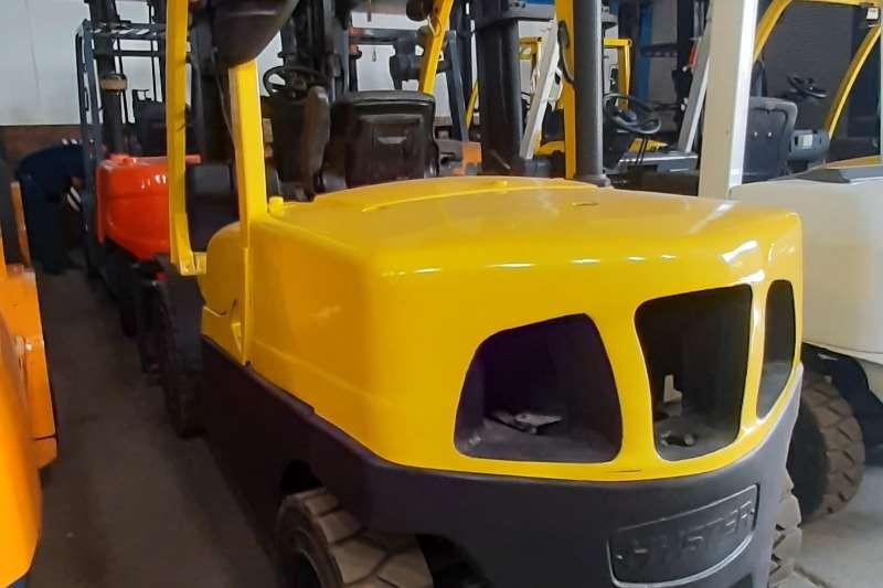 Hyster Diesel forklift H4.5FT6 Forklifts