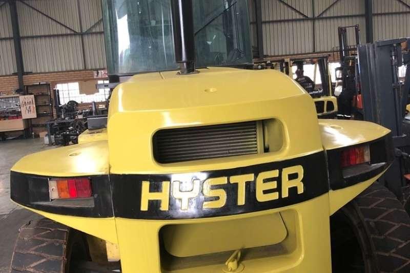 Hyster Forklifts Diesel forklift Perkins diesel engine, 4000mm lift, standard forks 2006