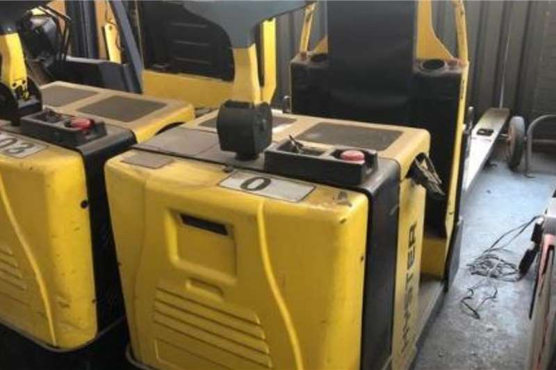 Hyster Electric forklift Hyster L02.0L Electric stacker Forklifts
