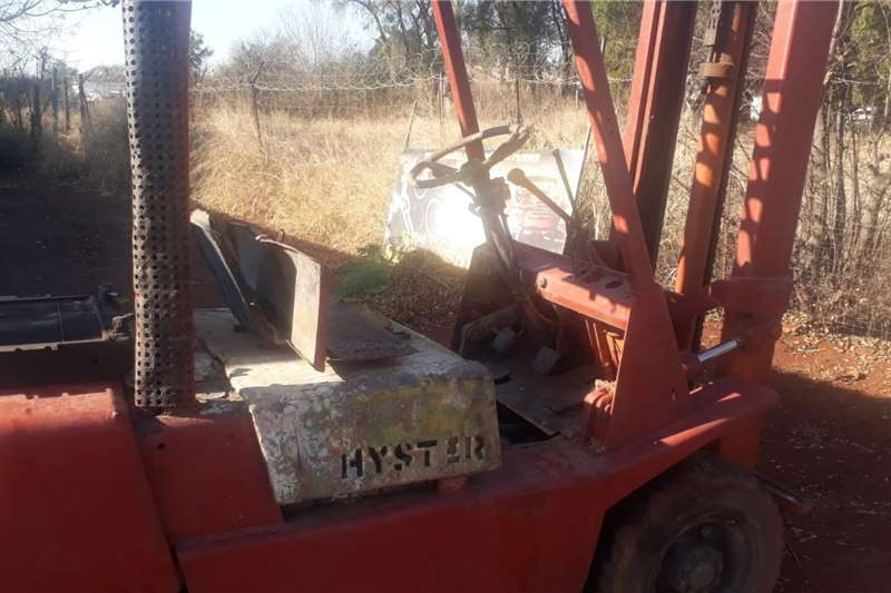 Hyster Forklifts FORK LIFT  NEED ENGINE OVERALL