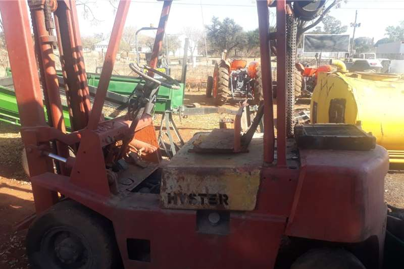 Hyster FORK LIFT NEED ENGINE OVERALL Forklifts