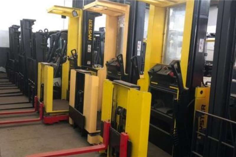 Hyster Material handling Hyster 1TON .Order pickers Forklifts