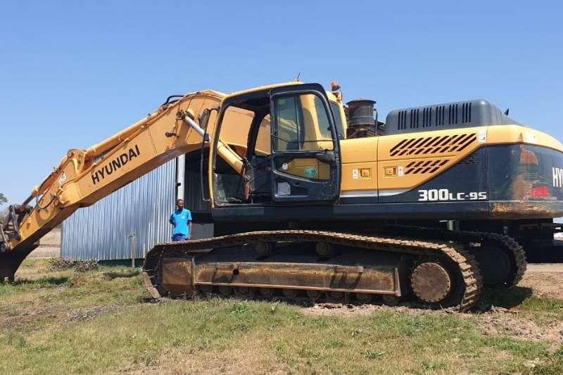 Hyundai 300LE Excavators