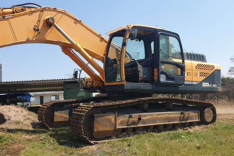 Hyundai Excavators 300LE 2013