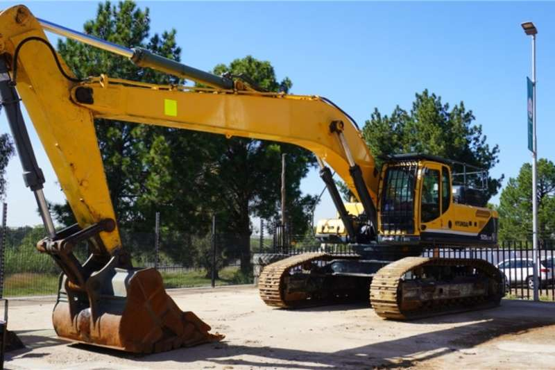 Hyundai Excavators Robex 520LC 9S Excavator 2012
