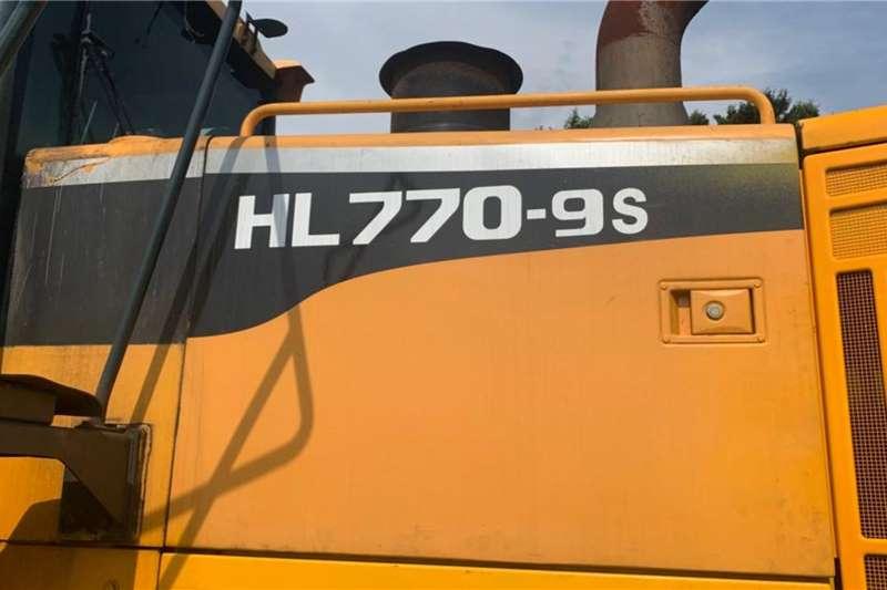 Hyundai Construction HL770 9s Loaders