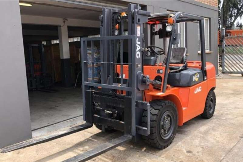 JAC Forklifts Diesel forklift CPCD45 4.5 TON STANDARD (USED)