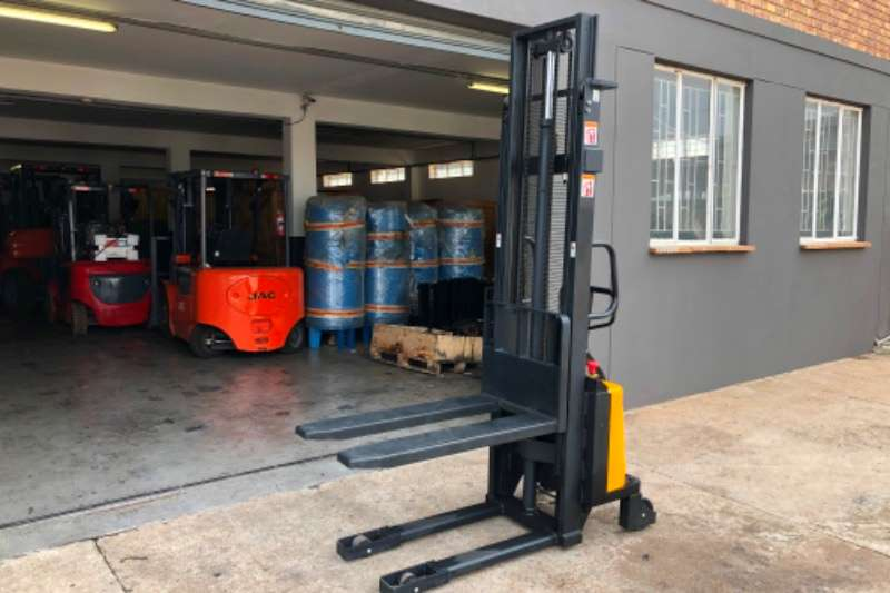 JAC Forklifts Electric forklift CDD10B 1 TON SEMI ELECTRIC STACKER 2016