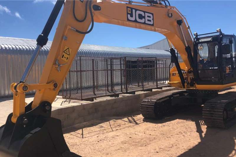 JCB JS205LC Excavators