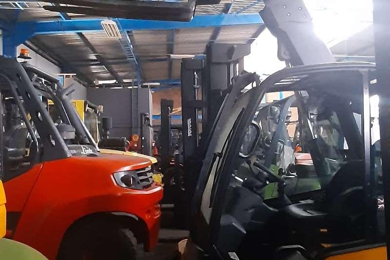 JCB Diesel forklift 30D2WD Forklifts
