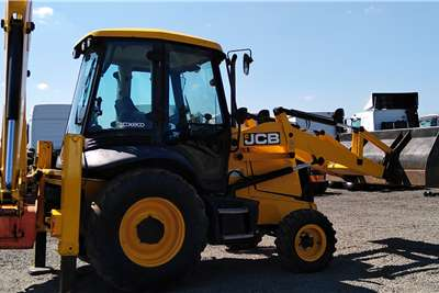 JCB Construction JCB 3CX 4 x 2 TLB TLBs