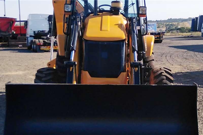 JCB Construction JCB 3DX 4x4 TLB TLBs