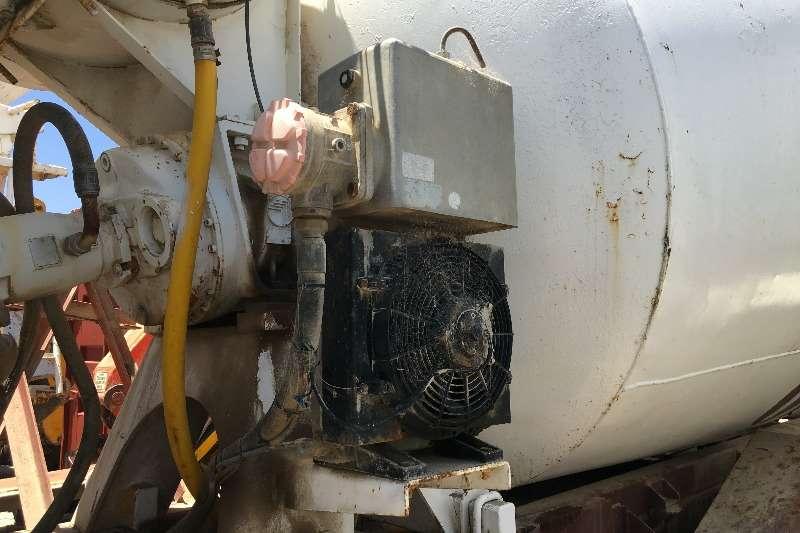 Komatsu Sakom 100 6m3 Concrete Mixer Concrete mixer