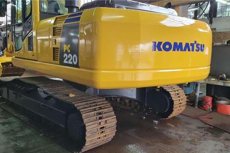 Komatsu Excavators Komatsu PC220 Excavator 2010