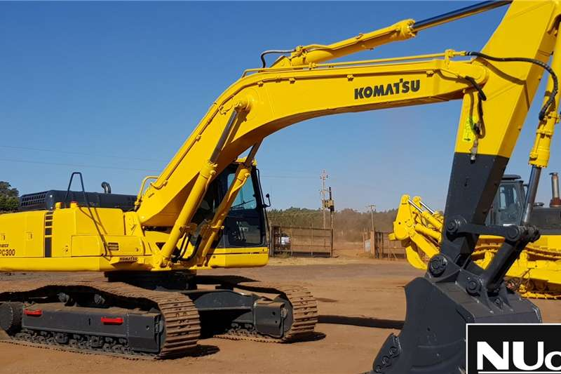 Komatsu Excavators KOMATSU PC300-6 EXCAVATOR