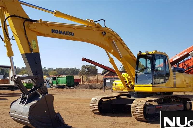 Komatsu Excavators KOMATSU PC300 6 EXCAVATOR