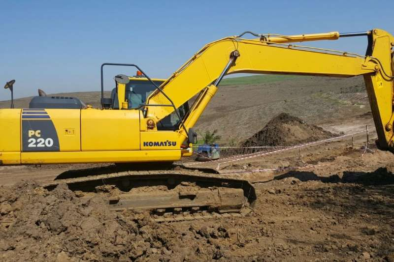 Komatsu Excavators PC220 2014