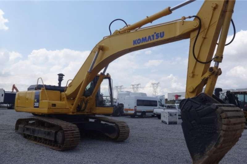 Komatsu Excavators PC300 Excavator 2000