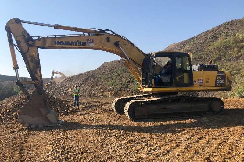 Komatsu Hydraulic excavator PC350 LC 8 35TON 2015