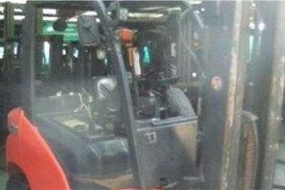 Linde Diesel forklift 2.5 Ton HT25D Forklifts