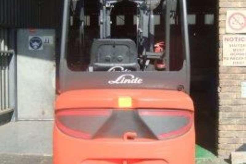 Linde Forklifts Diesel forklift E20PHLinde 2 ton 2017