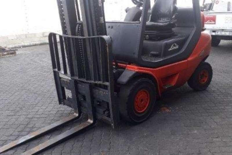 Linde Forklifts Diesel forklift H25D 05 Linde 2,5 ton 2014