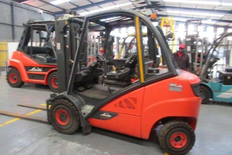 Linde Forklifts Diesel forklift H30D 02Linde 3 ton 2016