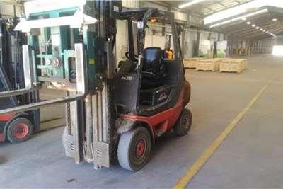 Linde Diesel forklift Linde 2.5 Ton DieselH25D Forklifts