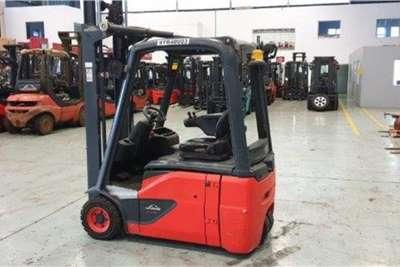 Linde Electric forklift 1.6 TonE16 02 Forklifts