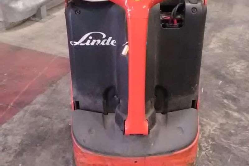 Linde Forklifts Electric forklift 1.6 ton Pallet truckT16 2011