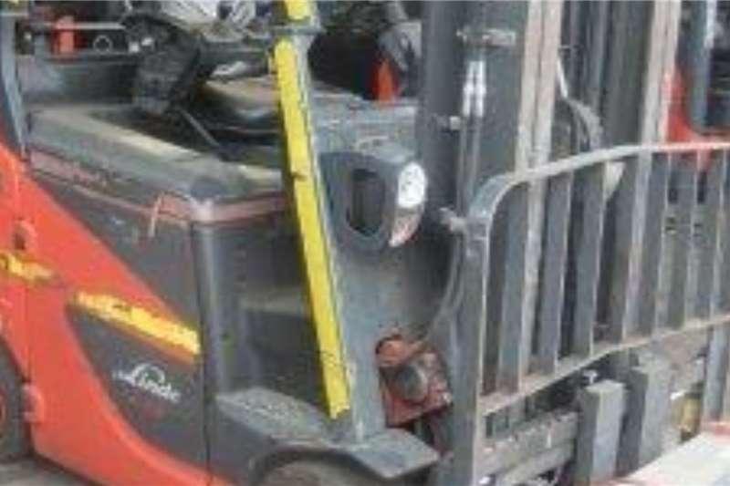 Linde Electric forklift 2 Ton E20PH Forklifts