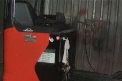 Linde Electric forklift Linde 2TonR20HDHigh Reach Truck Forklifts