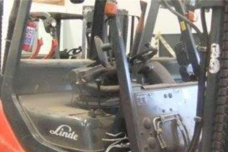 Linde LP gas 2.5 Ton H25T Forklifts