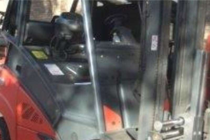 Linde LP gas 3 Ton H30T High Seat s/d attachment Forklifts