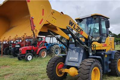 Construction New Front loader65kw. 1.6 ton loading weight. Loaders