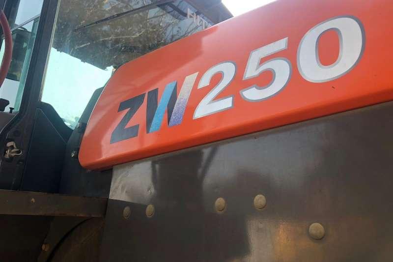 2015 Hitachi  ZW 250 FRONT END