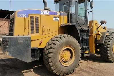 SEM 669C Wheel Loade