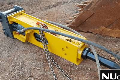 EXCAVATOR HAMMER ATTACHMENT (20 25 TON EXCAVATOR) Machinery accessories