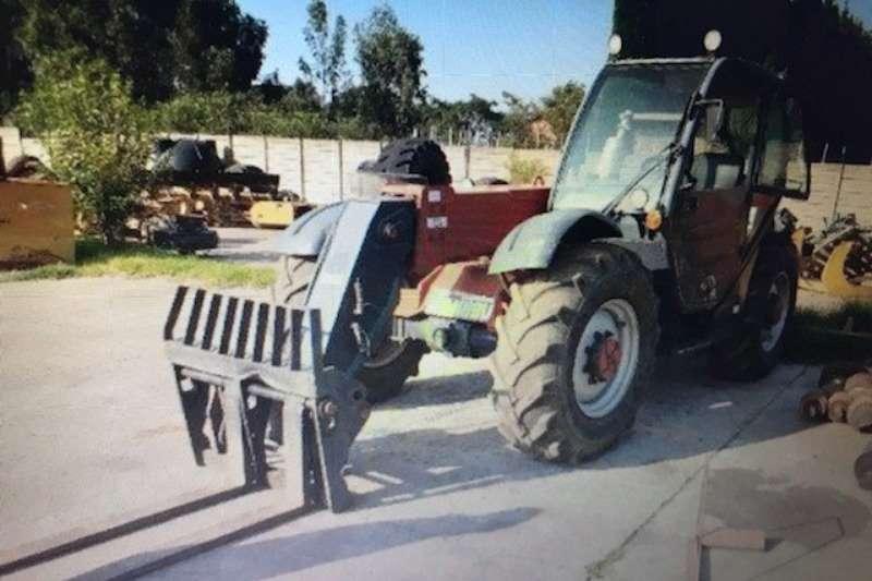 Manitou Forklifts Diesel forklift Manitou Telehandler Model MT 732, good runn 2002