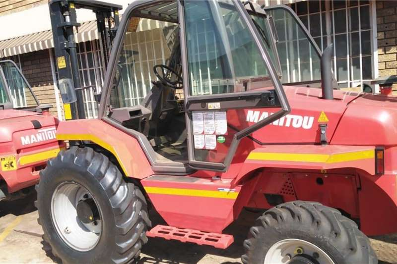Manitou Forklifts M26 4 All Terrain 2001