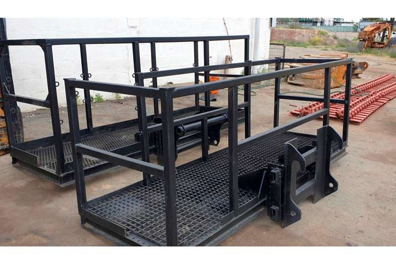 Manitou Forklifts MAN CAGES AND FORKS 2013