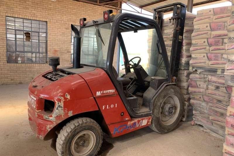 Manitou Forklifts MSI25 2.5 Ton Rough Terain Forklift 2004