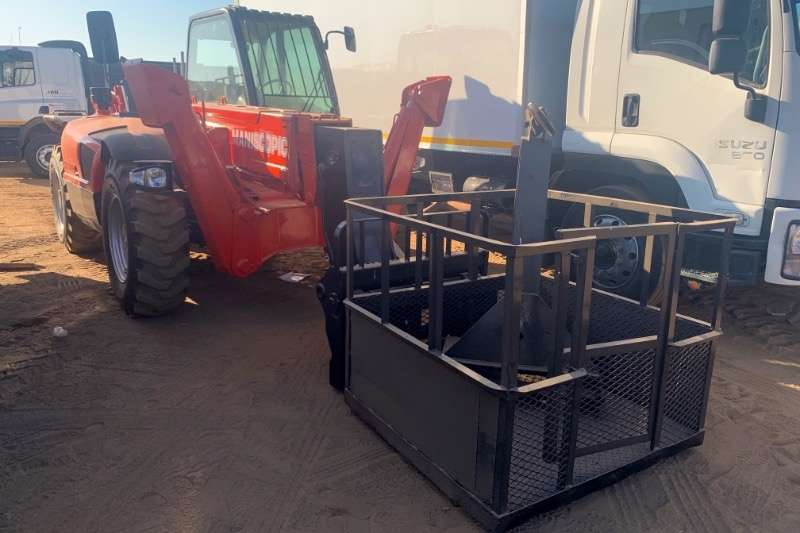 Manitou Telescopic handlers MT1340SL 4X4 WITH MAN CAGE & HOOK 2003