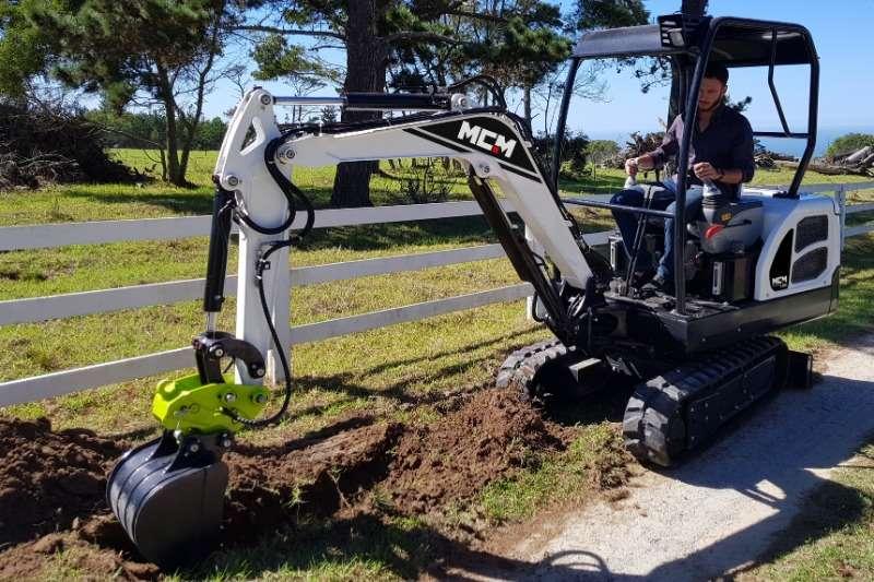 MCM 18D Excavator   1.8 TON Excavators