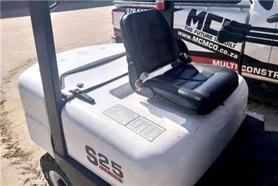 MCM Diesel forklift Demo Model: 2.5TON Isuzu Forklift Forklifts