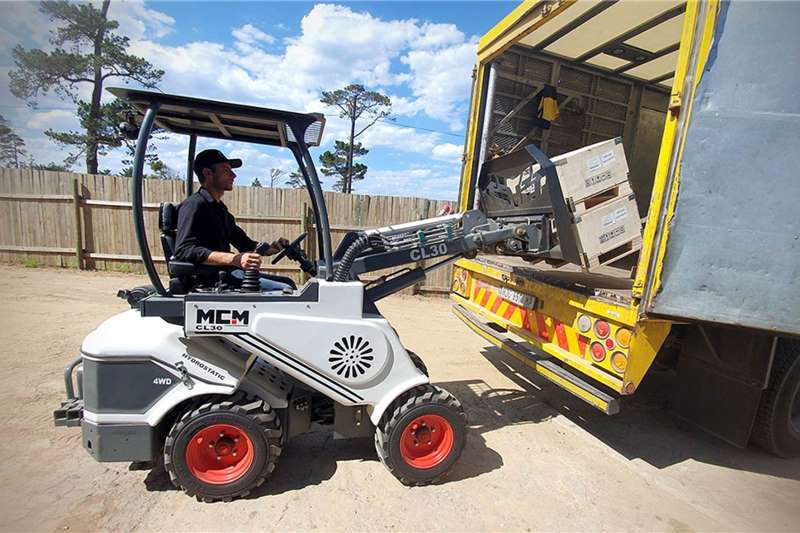 MCM Loaders Construction CL30 Multi Compact Loader 2020