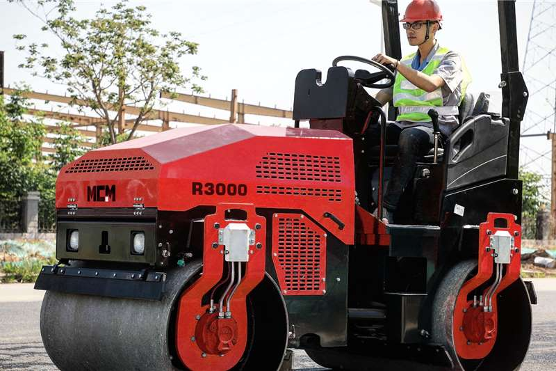 MCM Rollers Vibratory roller 3TON Ride On Roller 2020