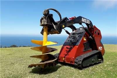 MCM Construction MS30 Mini Skidsteer Loader Skidsteer loader