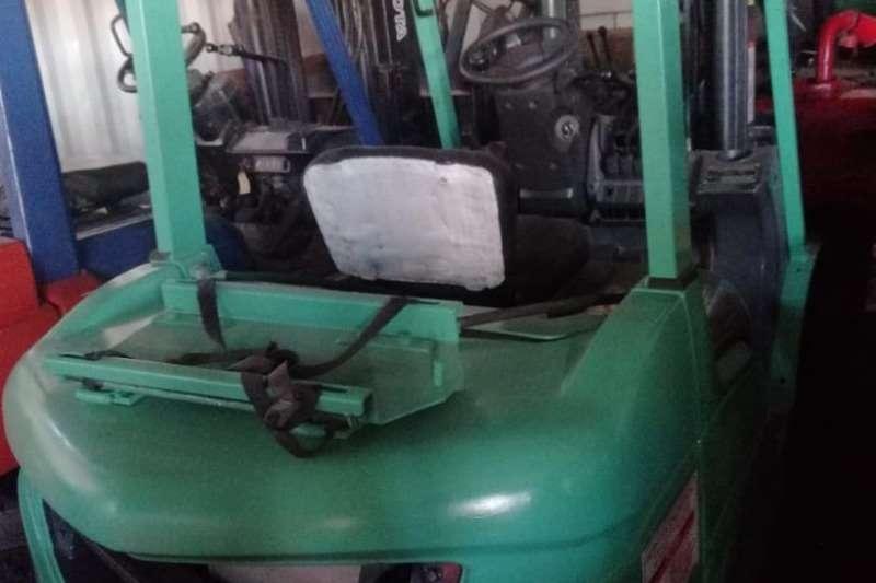 Mitsubishi Forklifts 2.5 ton, 4m lift, LP gas forklift 2010